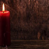 wings_homeless_candle_christmas